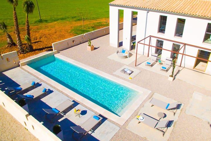 Der Pool hat eine Länge von 11,5m