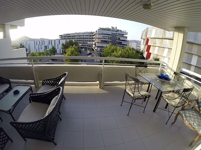 Spacious 2 bed, 2 bathroom, terrace parking - Eivissa - Apartment