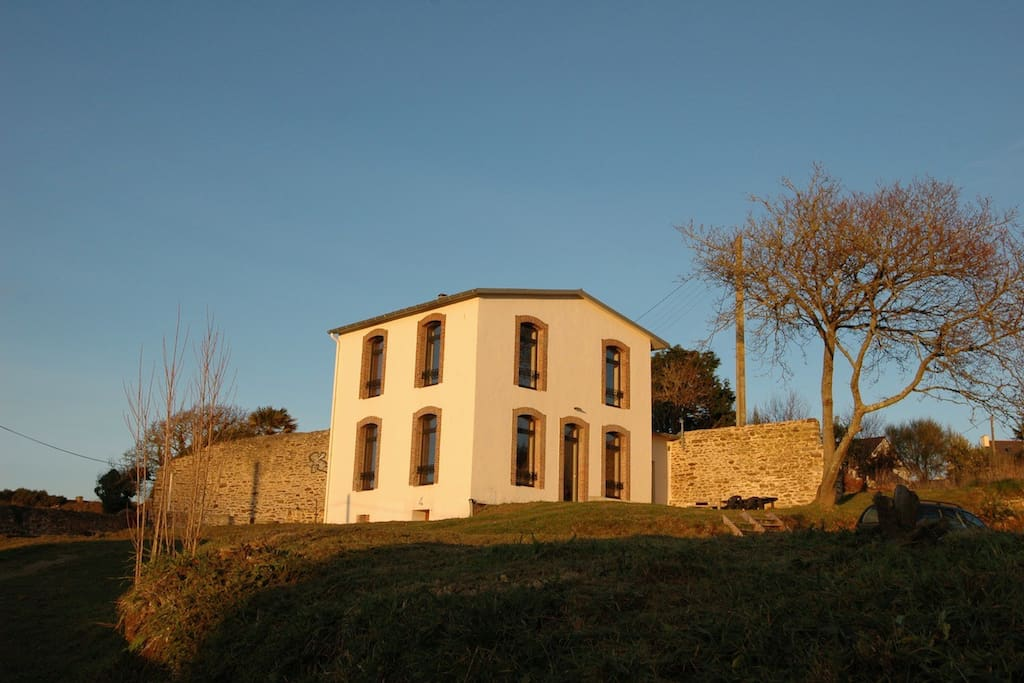 Chambre d 39 h tes porsmilin earth houses for rent in for Chambre d hote brittany