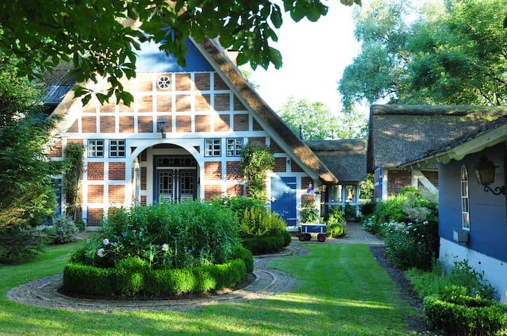 Rettgedecktes Fachwerkbauernhaus - Drochtersen - Hus