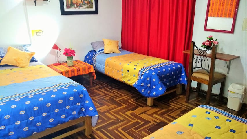 JG2 Share room + 3 beds + WIFI