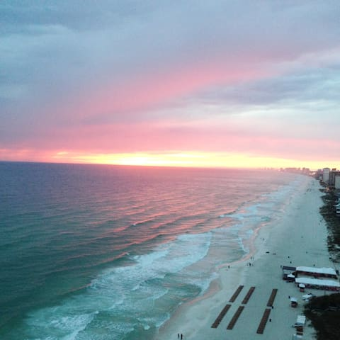 Treasure Island   Vacation Condo  Beachfront