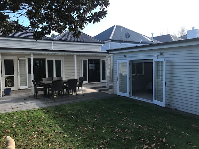 Cosy Backyard Studio - Herne Bay