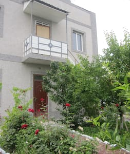 Apartment in north-west Yerevan - Huoneisto