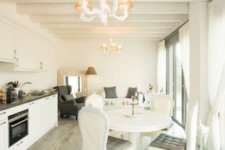 Charming new individual cosy house - Casa