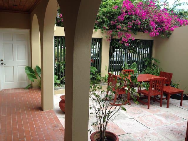 Beautiful 4 bedroom home! - Nassau - House