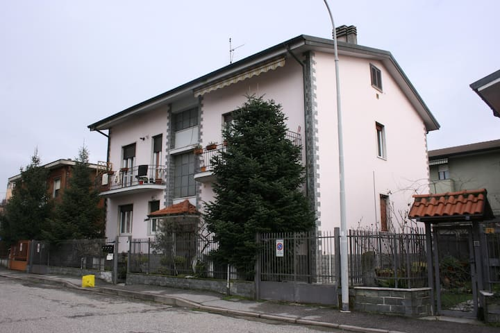 Appartamento in Muggio' - Muggiò - Wohnung