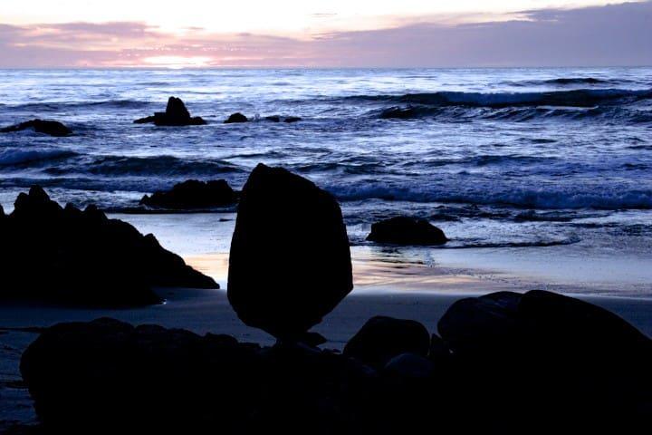 Rock balancing is very cool...