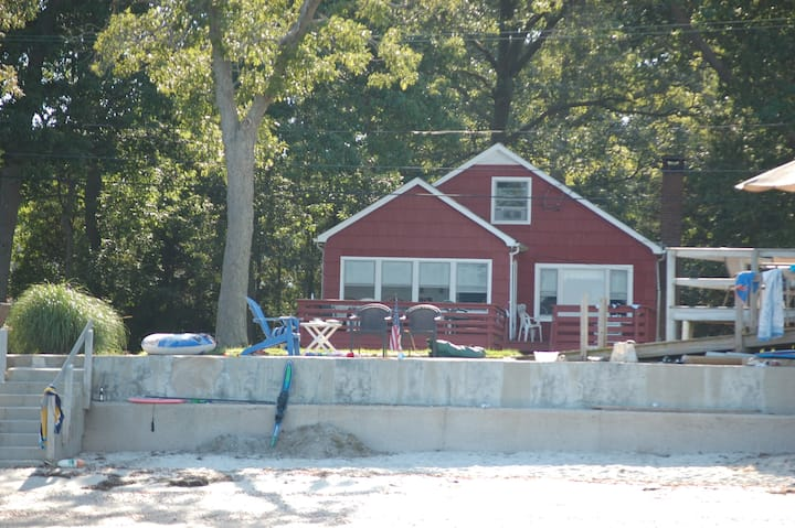 """""""THE RED HOUSE"""" - GREAT BEACH HOUSE"""