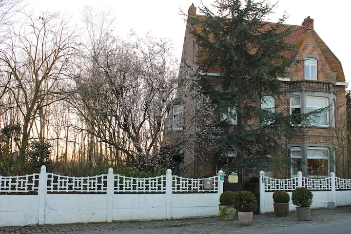 Vist Bruges and stay at the country - Jabbeke