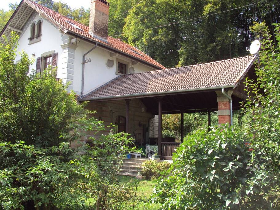Appartement dans maison lovagny 10km annecy appartements for Annecy maison a louer