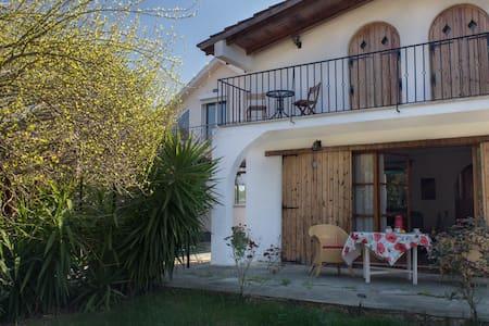 VILLA ATTICA - Chalkoutsi - บ้าน