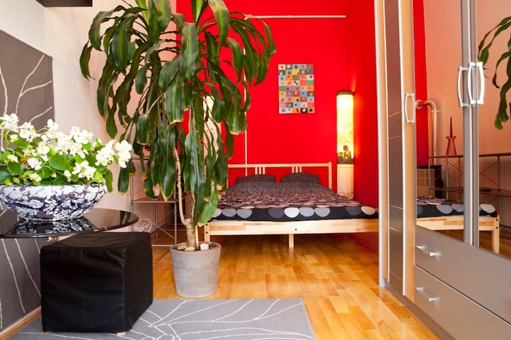 Minestrone apartment-sunny flat on the Kiraly str! - Budapest - Apartment