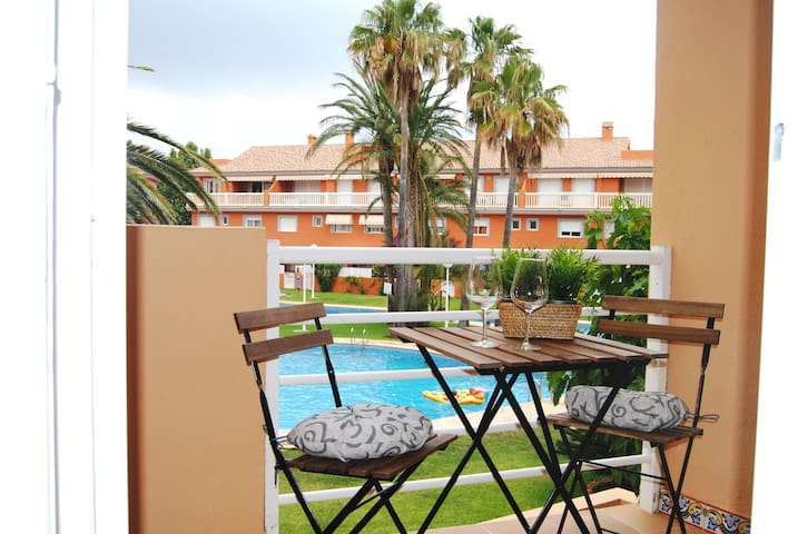 Apartment with terrace and pool in Arenal Beach