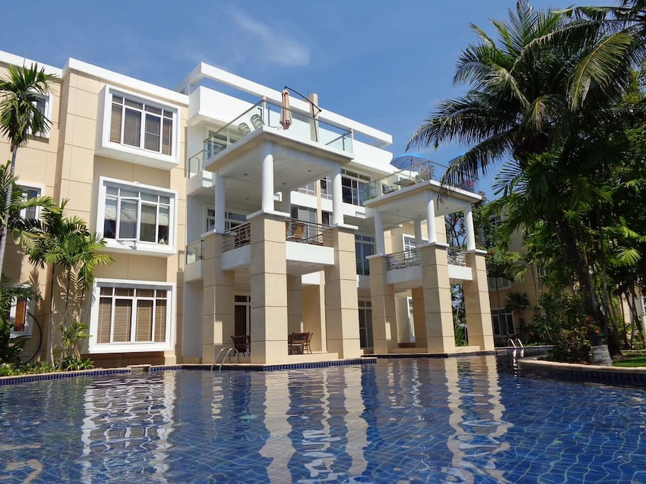 Building has 3  floor 1st Floor with Pool Access from the terrace