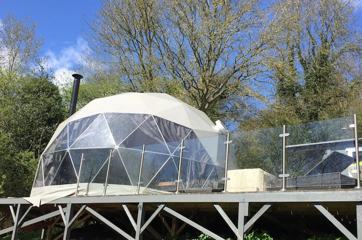 The Star Dome - Luxurious Star Gazing Retreat