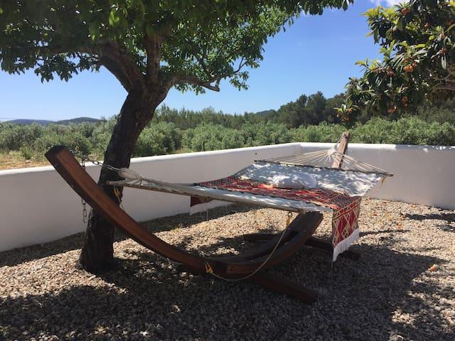 Private Room in Ibiza north Campo, air condition