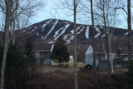 Cozy Snowbrook Condo - Carrabassett Valley