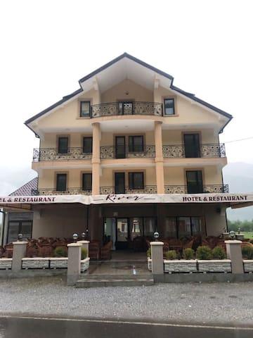 Hotel River 02
