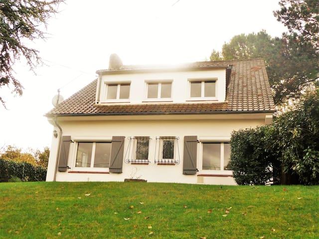Charmante villa avec jardin - Cucq - บ้าน