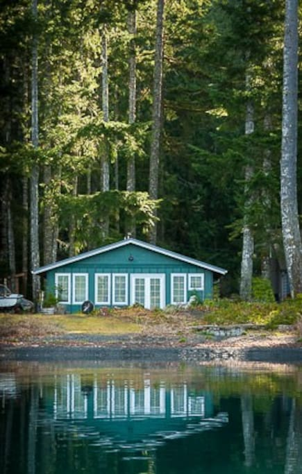 Cottage on lake crescent olympic national park cabins for Cabin rentals olympic national forest