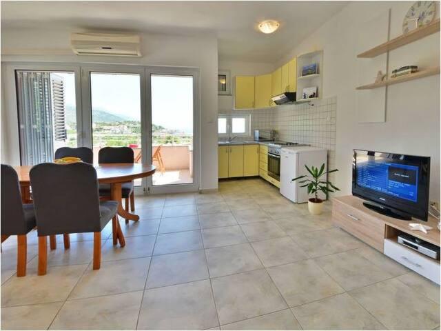 Apartment with sea view-Apartments Golub, Cesarica
