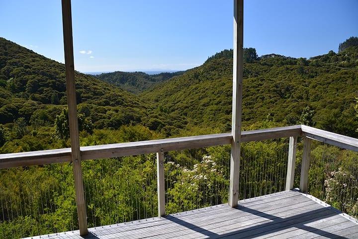 The Treehouse Bush Retreat