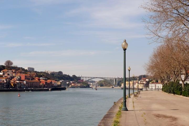 Miragaia apt_Douro, Unesco area!