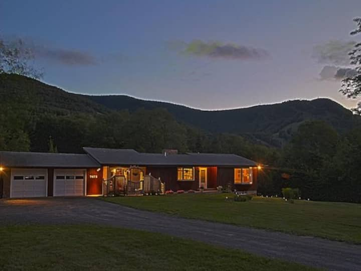 Charming home with views of Hunter Mountain
