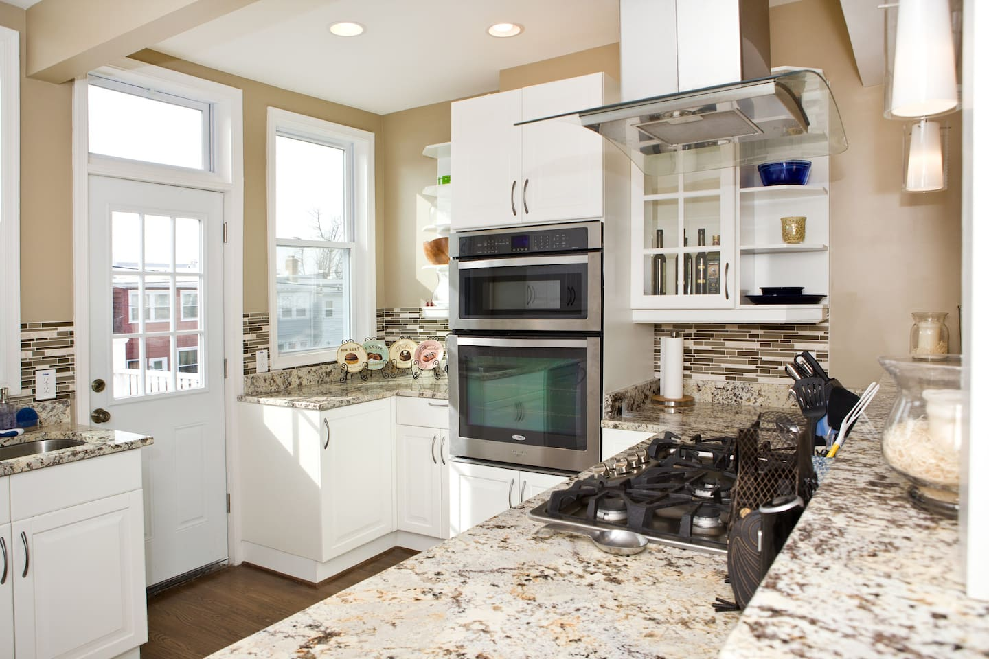 Gourmet chefs kitchen with convection oven!