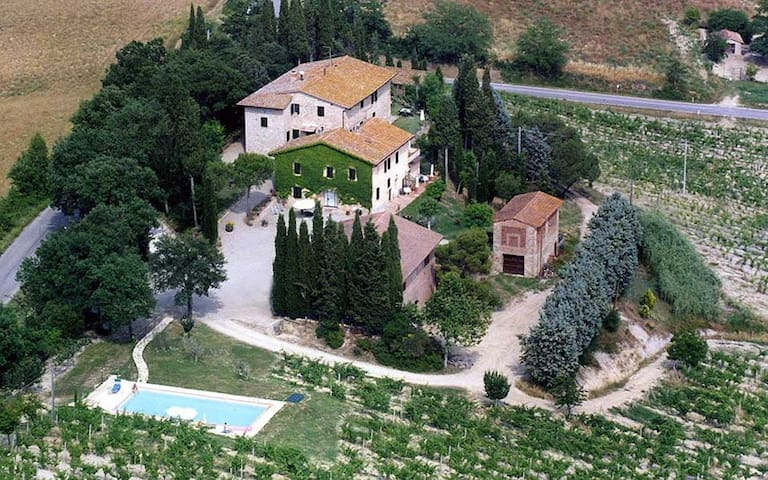 nice apartment in Tuscan country house
