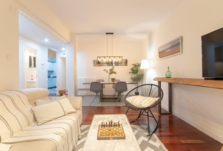 CITY HALL II apartment by Aston Rentals
