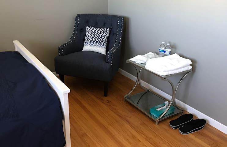 Cozy room near westlake mall. - Daly City - Huis