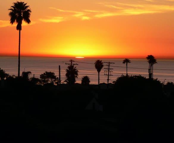 Surf Photographer's La Jolla Retreat
