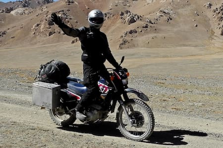 Yamaha XT 600 E in Central Asia - Osh - Andre