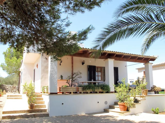 Holiday home in Cala Llombards for 6 persons