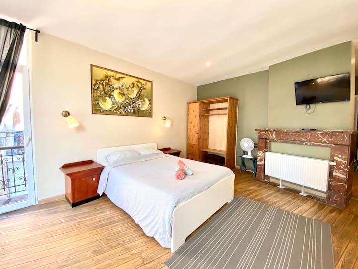 Appart + balcon, cosy et spacieux au coeur de BXL