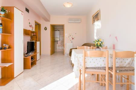 Apartment Valentina 2+1 near sea - Banjole