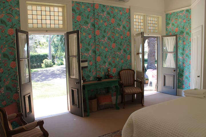 Russley Homestead - The Boho Room