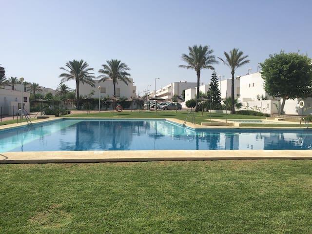 Near Beach, Golf with Pool and Wifi - Almeria - Flat