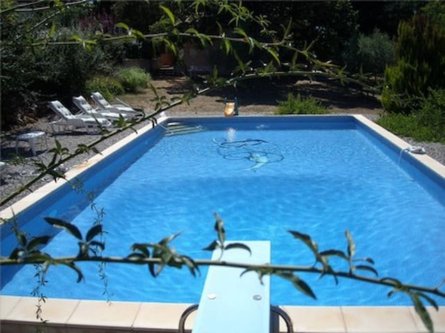 RDC de villa avec grande piscine privative, 6 Pers - Rians - House
