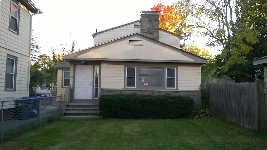 Entire Single family home with 3 bedrooms