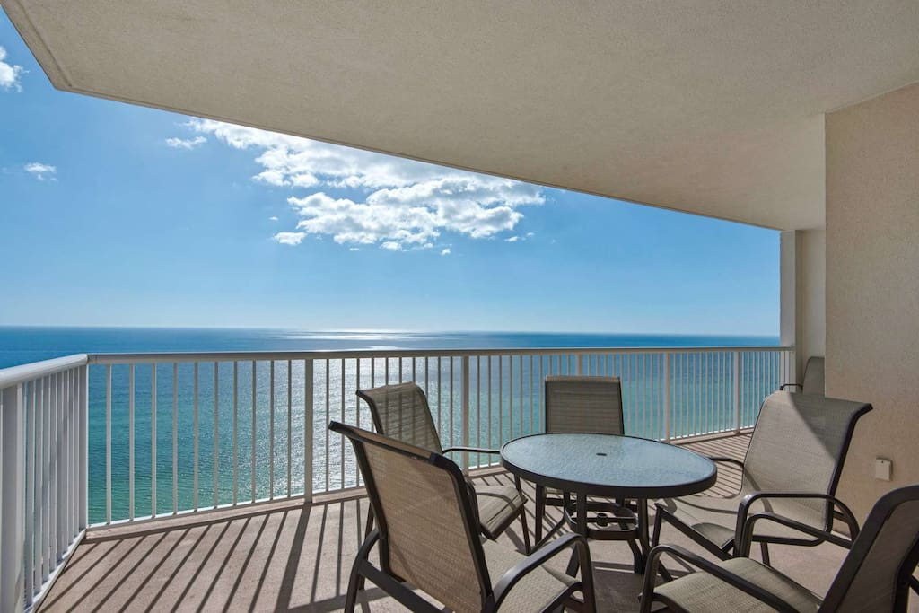 3 bedroom condo with living room and master bedroom gulf