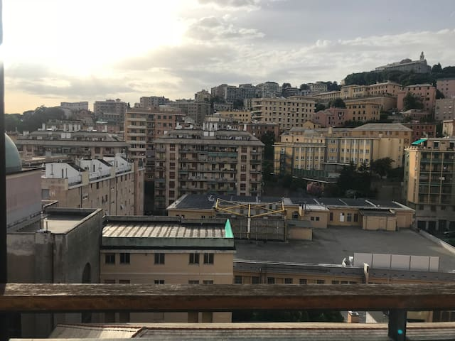 Single room 10min by bus to brignole station