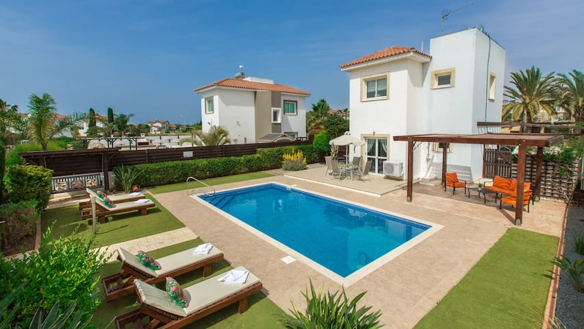 RENT your luxury PRIVATE VILLA 036 in Cyprus