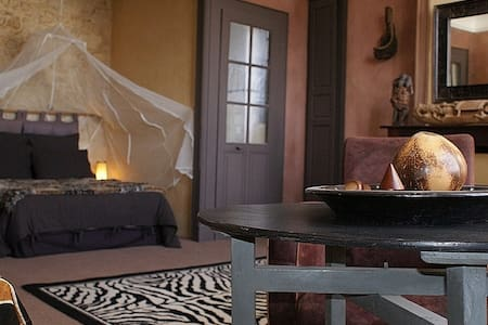 1 Chambre ambiance Africaine de 35 m2