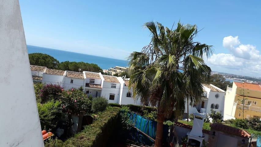 Casa tranquila con vistas al mar - Estepona - Hus