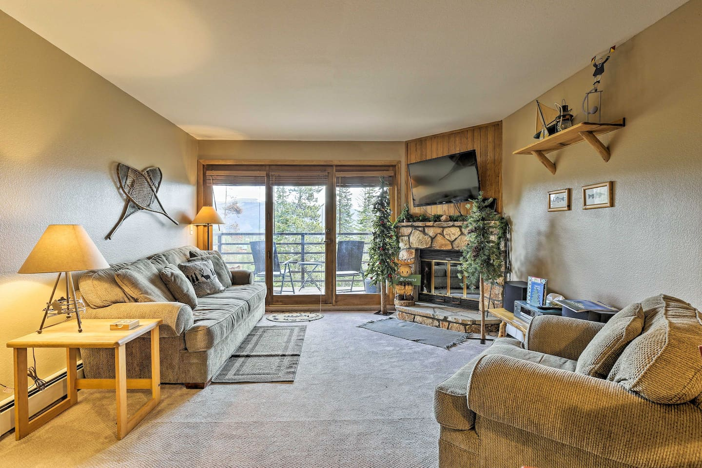 The ultimate Silverthorne retreat begins in this 1-bed, 1-bath condo!