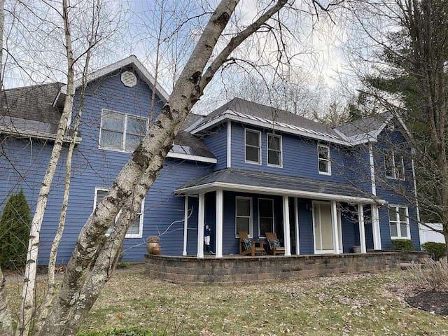 Saratoga Springs | Beautiful Clean Home