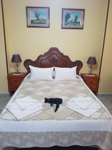 Perfecta habitacion con balcon, Tv. - Huelva - Apartment